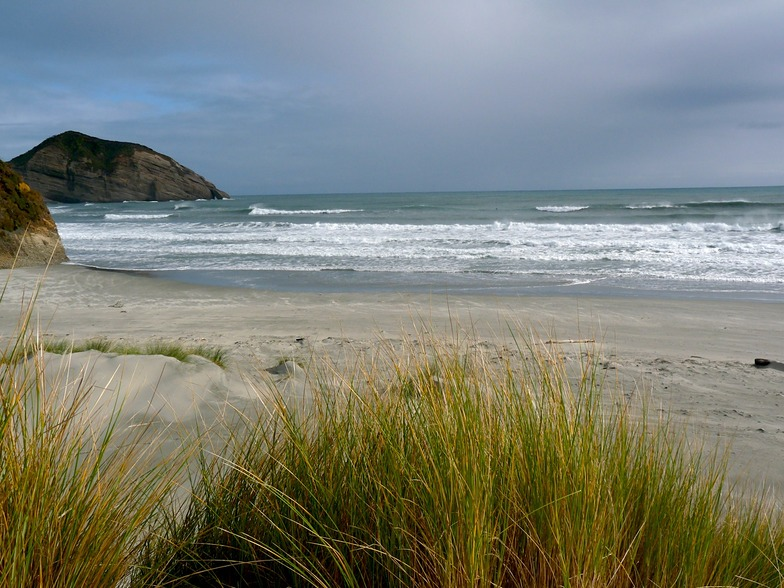 Cross-off wind, Wharariki Beach