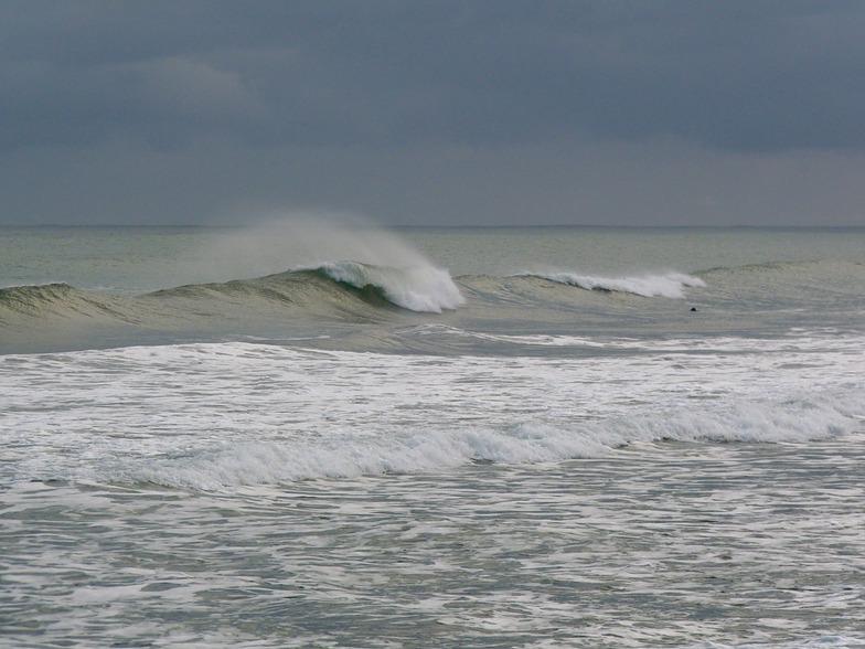 Morning surf at Paturau, Paturau River