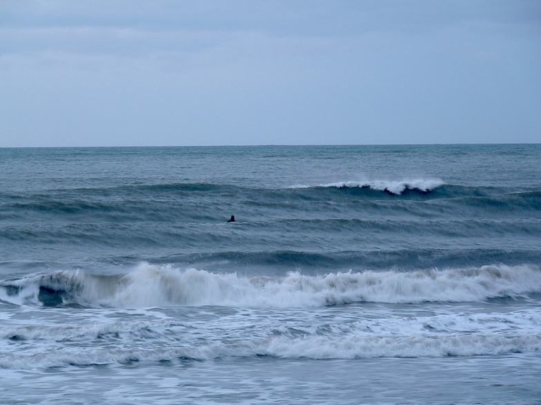 Evening surf at Patons Rock