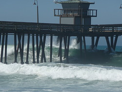 swell on the rise, Imperial Pier (North and South) photo