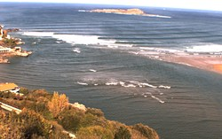 Firing Mundaka photo