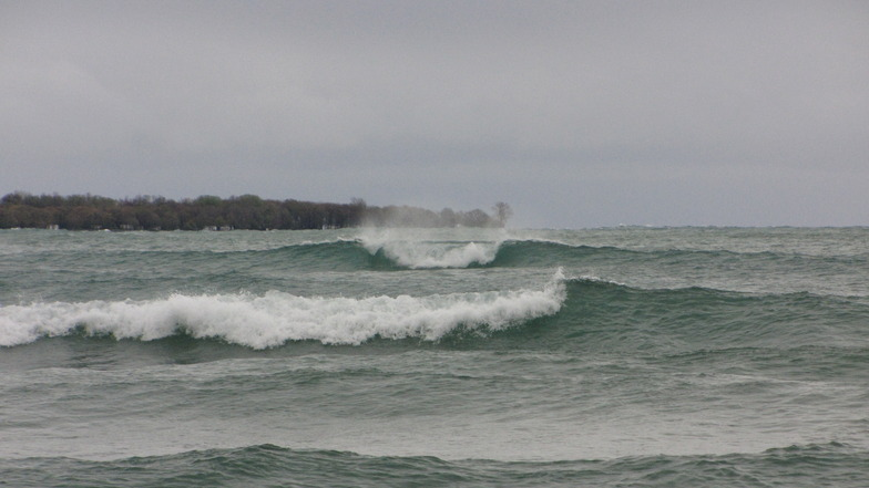 Clean Lake swell at Sandbanks, Sandbanks Provincial Park