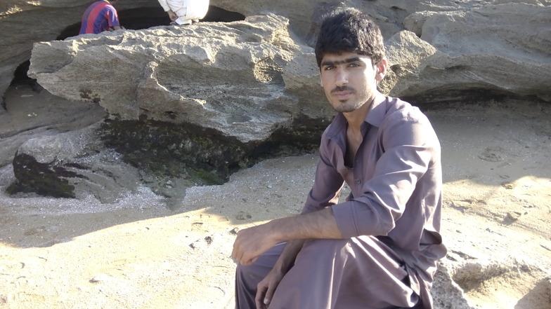 Hi,l am Mansoor Noor, Pishukan