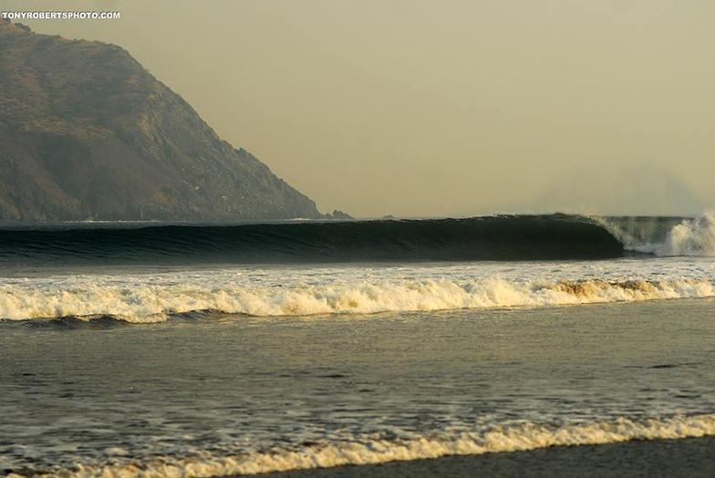 Sufing Mecca, Playa Negra