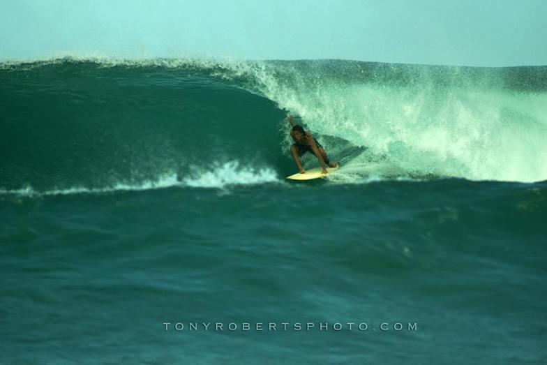Tube Strobing, Playa Negra
