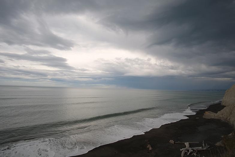 Tiny south swell, Waihua