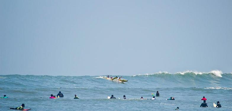 V4 Outrigger Canoe surfing Lima Peru, Makaha