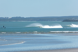 Vans - Rare offshore day., Van Riebeek photo