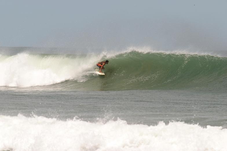 Playa Langosta, Tamarindo
