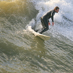 Good surfing day at the pier, Bournemouth Pier