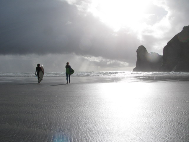 ashleigh and tali, Wharariki Beach