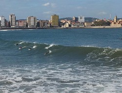 gijon, Playa de San Lorenzo photo