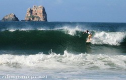 Karma Surf Competition, Ixtapa photo
