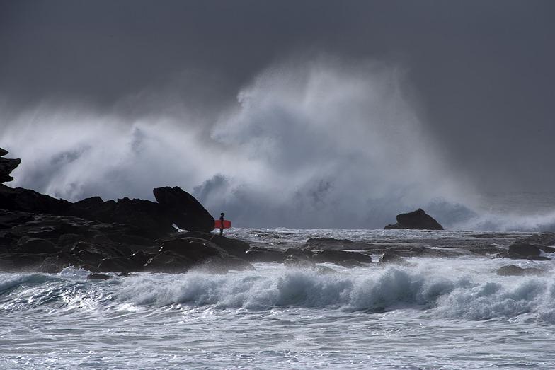 Lone surfer, Maroubra Beach