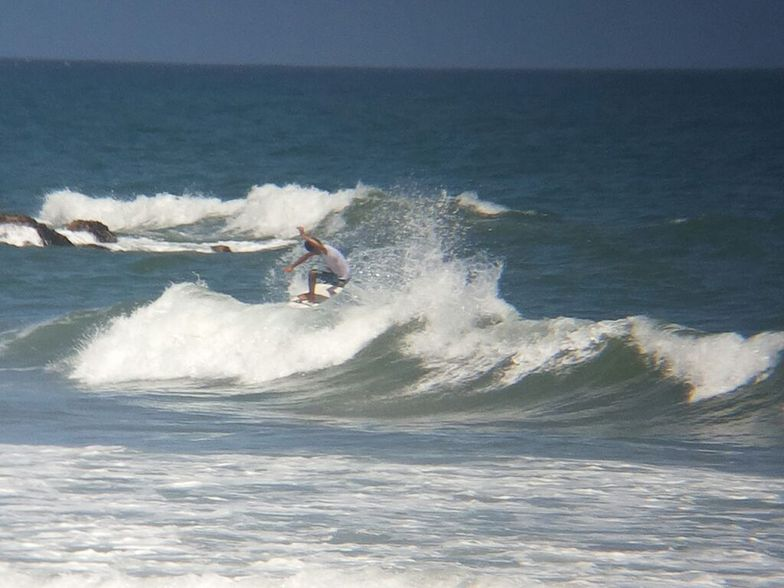 los Pocitos Surfer OSWALD MORENO (Foto Danny Garrido)