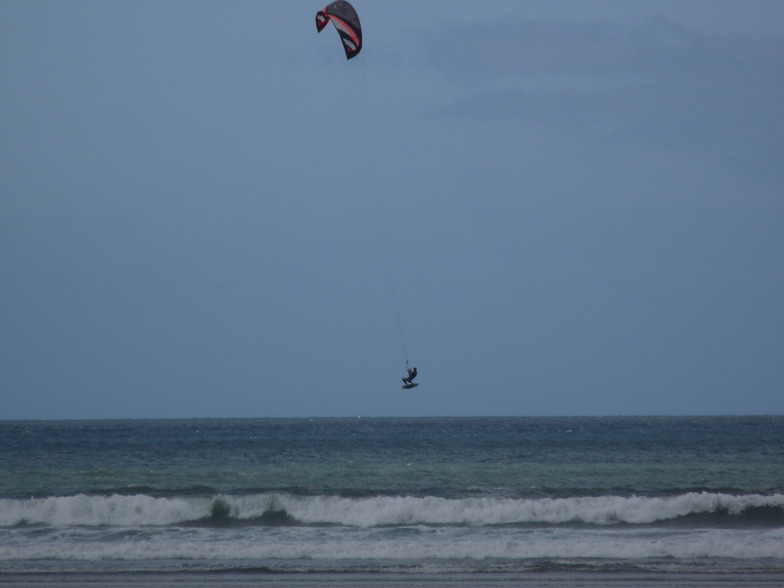 Kitesurfer at Goulien