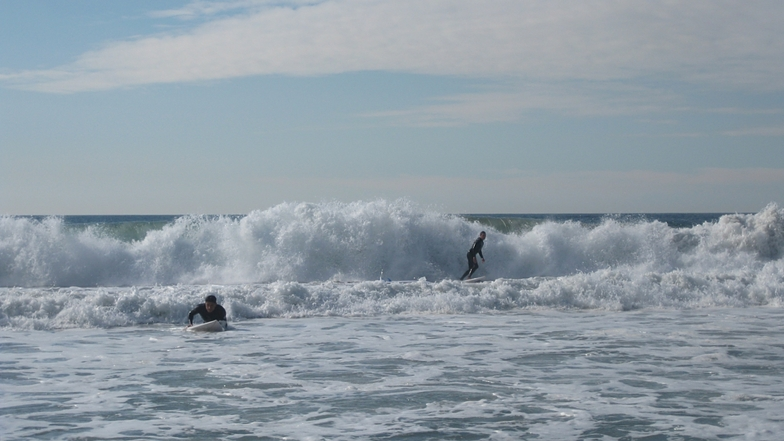 Pair of surfers, Gillis