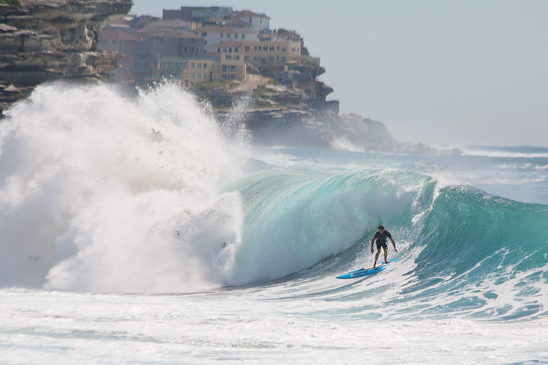 Bronte Back in Action, Bronte Beach