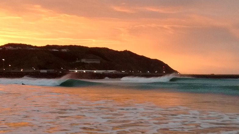 Dawn Break, Lyall Bay