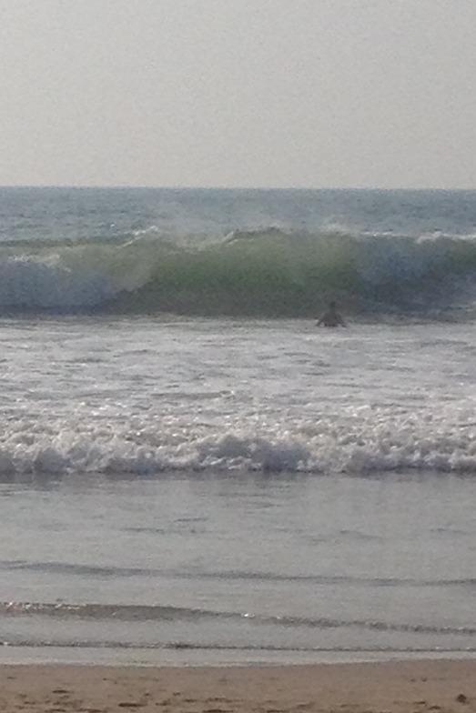 Good surf! But bring a board, Kudle -Beach (Gokarna)