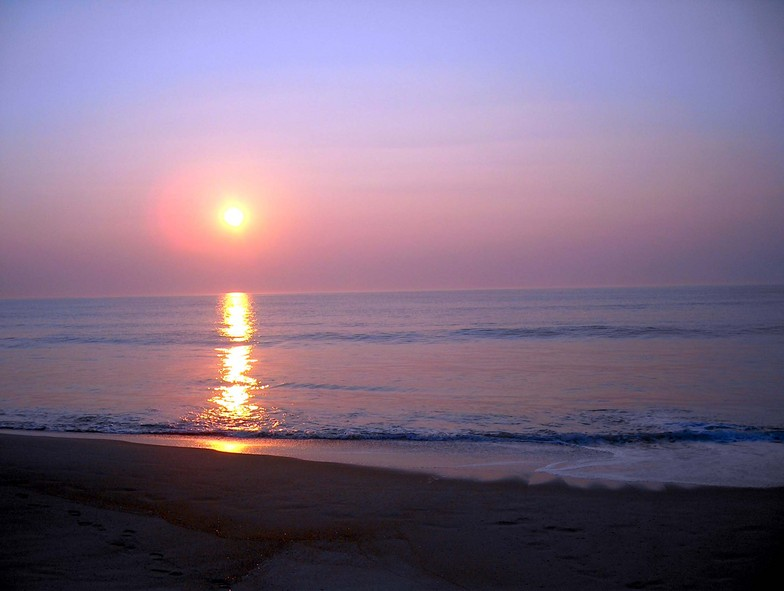 Sunrise at Hampton, Hampton Beach