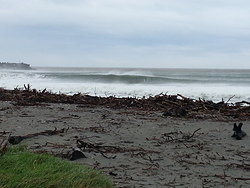 3ft and high tide, Cobden Beach photo