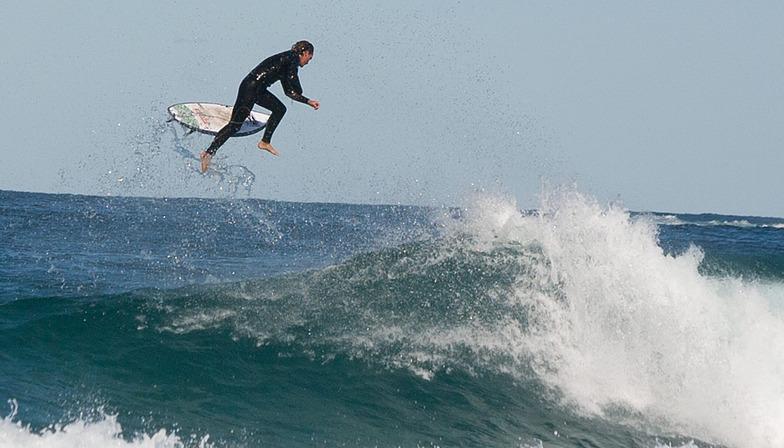 Take off at Tamma, Bronte Beach