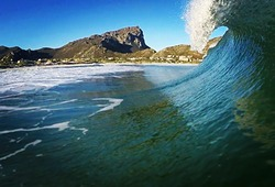 Steffan pulling into a typical Pringles closeout, Pringle Bay photo