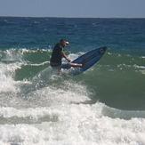 MARE ABAJO LOS POCITOS. SURFER JEAN CARLOS FLORES (BOMBERITO)