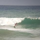 MARE ABAJO LOS POCITOS (AEROPUERTO) SURFER KALANI FLORES.