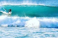 Buenas olas surfsup, Playa de Pared photo