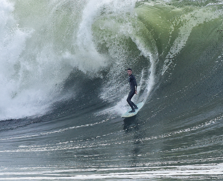 Standing tall, Steamer Lane-Middle Peak