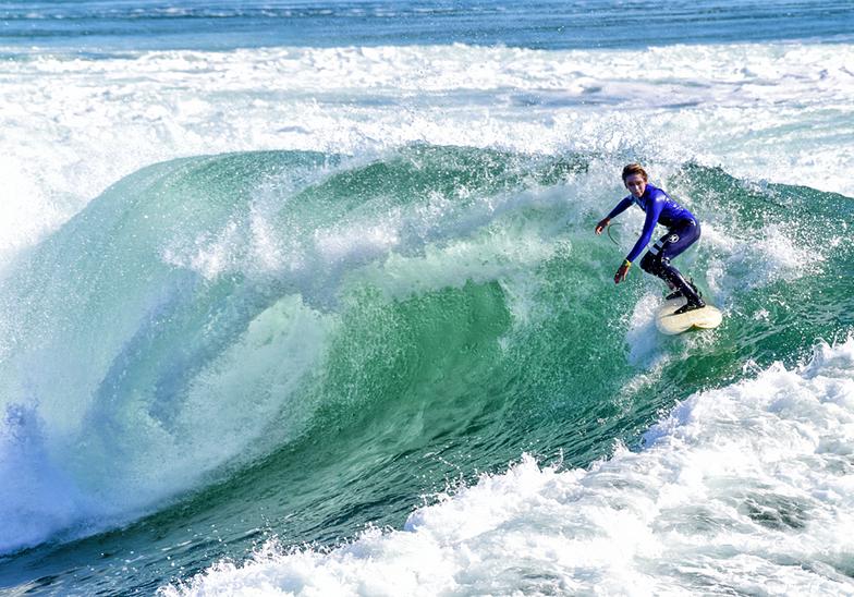 13 year old Ben surfs Middle Peak, Steamer Lane-Middle Peak