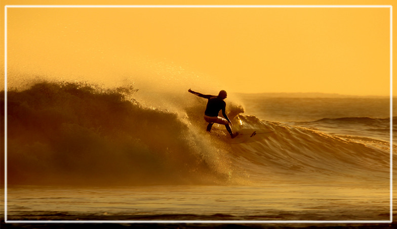 Sunrise Surfer, Alkantstrand
