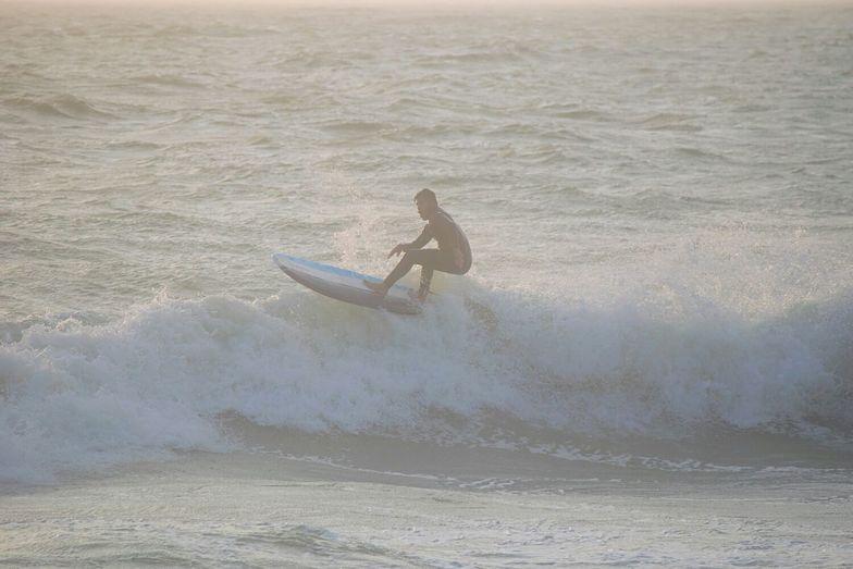 Winter swells, Sunset Beach
