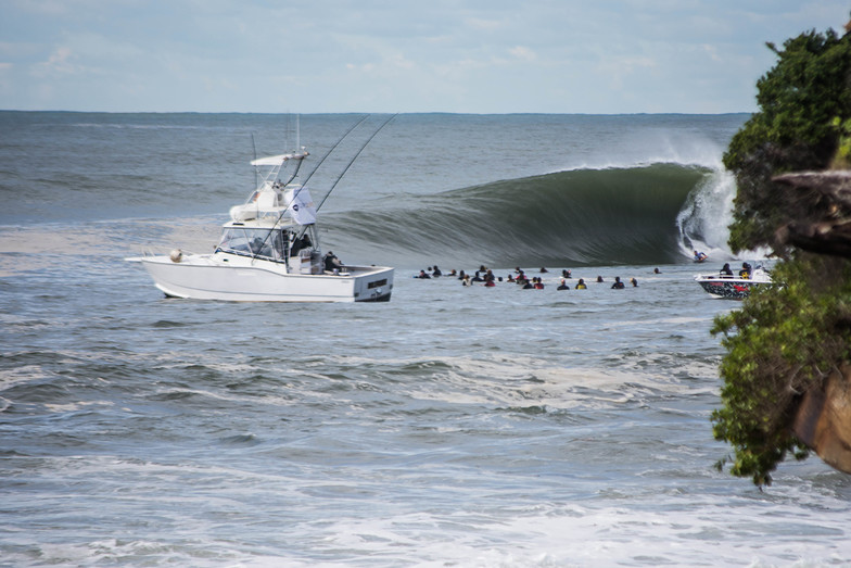 Rolling, Shark Island (Cronulla)