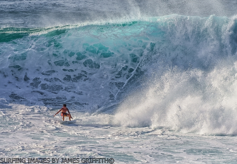 Honolua Bay Surf Photo by James Griffith | 2:45 pm 20 Mar 2016