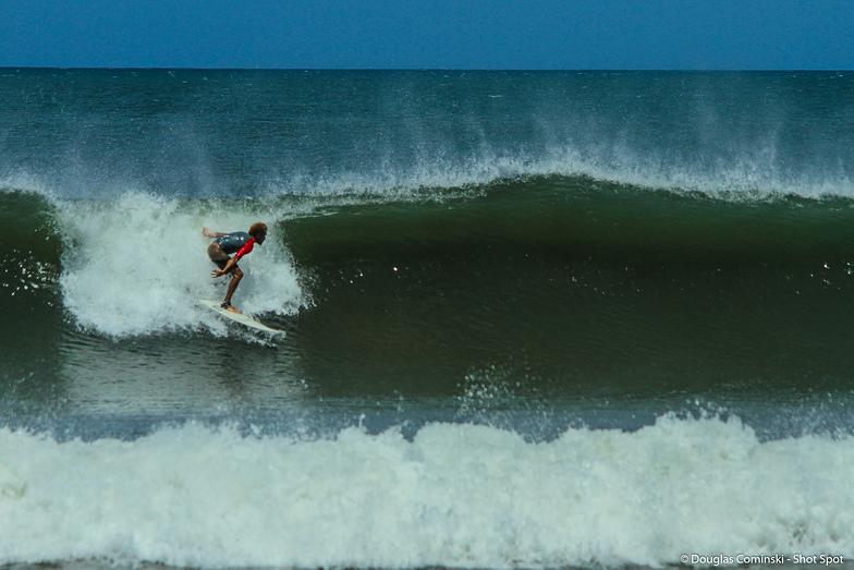 Salinas beach break, Punta Miramar