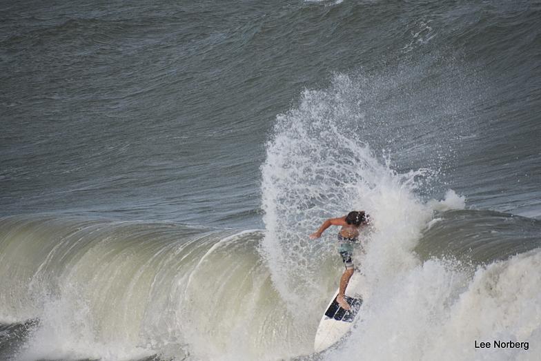 Working the Wave, Garden City Pier