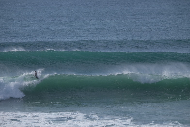 Sizeable but fun at high tide Palue, La Palue