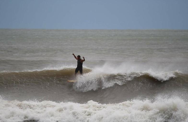 Walking the plank, Surfside Jetty