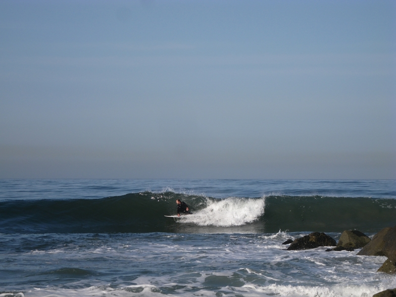 surfer about to stand up, Gillis