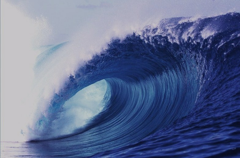 THE EYE OF TERROR... (TEAHUPOO)
