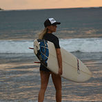 Isabelle Epler making her way to the beach, Tamarindo