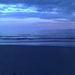 Moon rising, Nahant Beach
