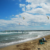 School was found Volkite Kefaloz dark, and 4 km on-shore wind. Kiteboard officially closed to traffic for the sandy bay separated. www.volkite.com