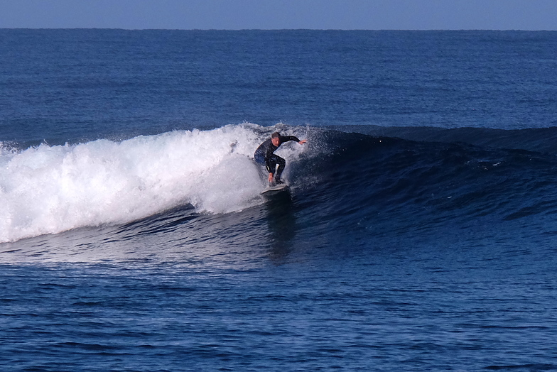 Clean conditions, Ouano Lefts