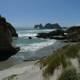 Wharariki, Wharariki Beach