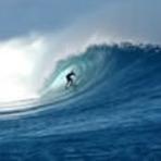 Fiji surfing Cloudbreak