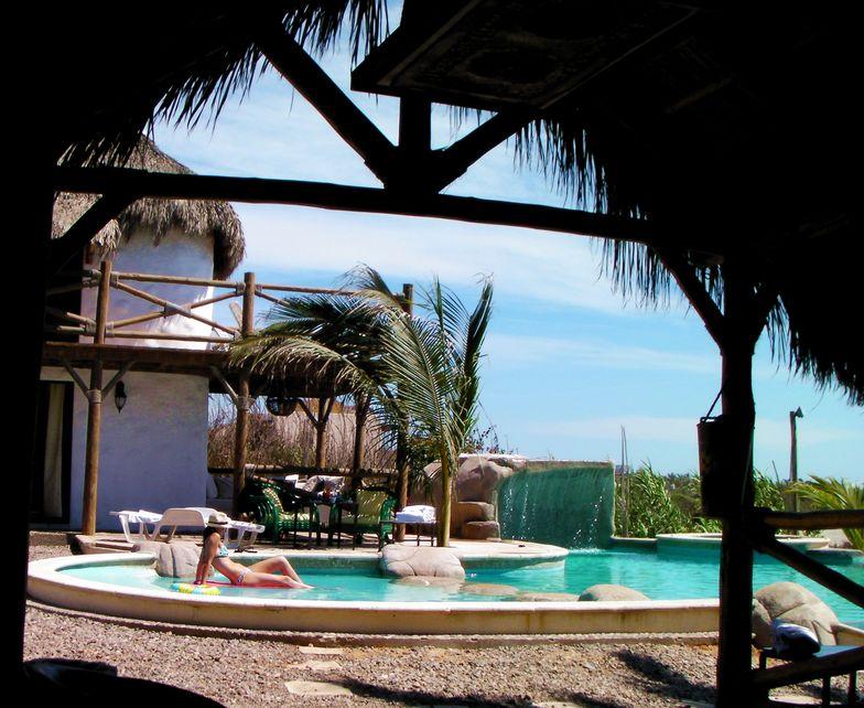pool rest, Celestino